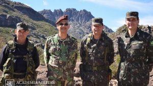 COMANDANTE DA ACADEMIA MILITAR VISITA CONGÉNERE BRASILEIRA